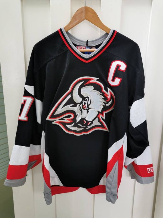 Vintage Michael Peca Buffalo Sabres CCM Jersey