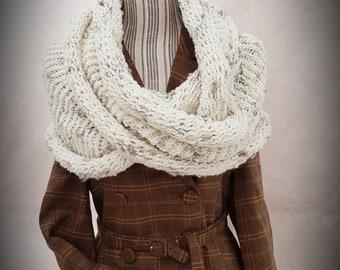 Grand snood épais châle cache épaule laine blanche cassé chaude hiver  automne grise claire laine moelleuse douce chic écharpe taille unique 3a3265fe0b2