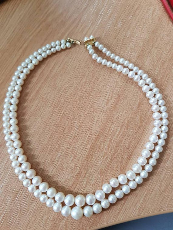 Stunning Audrey Hepburn inspired Pearl Necklace -