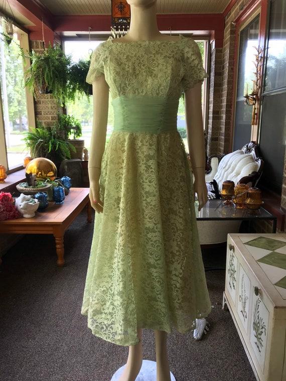 Vintage Lace Dress - image 5