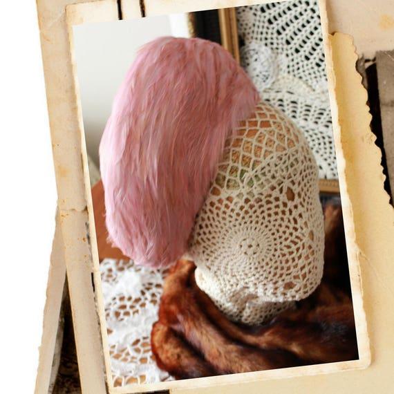 1950s Vintage feathered Pillbox hat