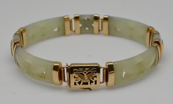 Vintage Green Jade Carved Butterfly Motif, 14kt Yellow Gold Linked Bangle Braceket