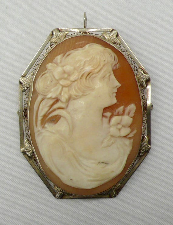 Antique circa 1940's Shell & 14kt Gold Cameo Pin/Brooch Pendant