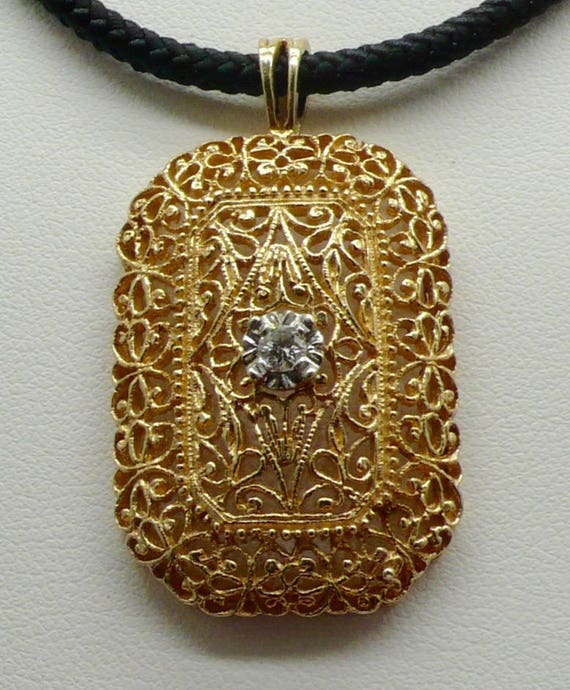 Vintage 14kt Yellow Gold Filigree and Diamond Pendant