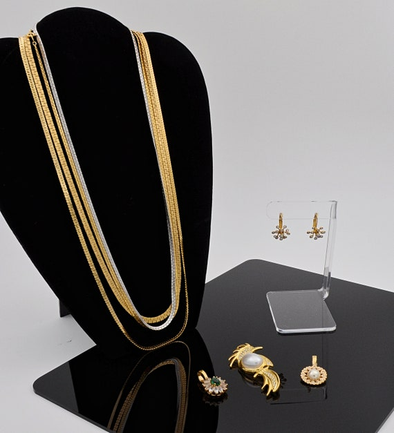 Beautiful costume jewelry at your service!!!