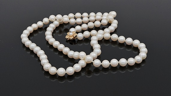 Vintage 30 inch White Round Pearl Strand Necklace with 14kt yellow Gold Yellow Hibiscus Floral Design Clasp