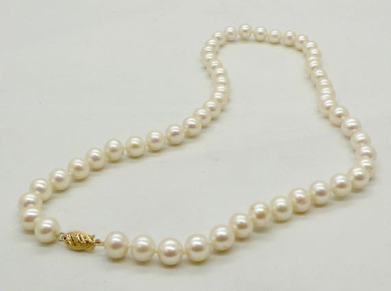 Vintage 18 Inch White Pearl Strand Necklace with 14kt Yellow Gold Filigree Clasp