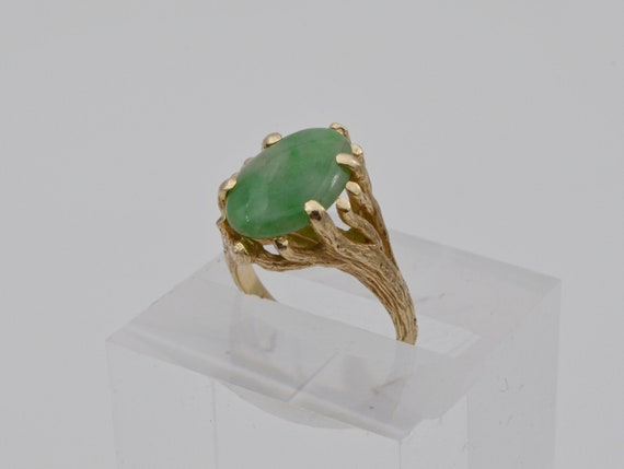 Vintage Jade and 14k Yellow Gold Tree Trunk Design Lady's Ring