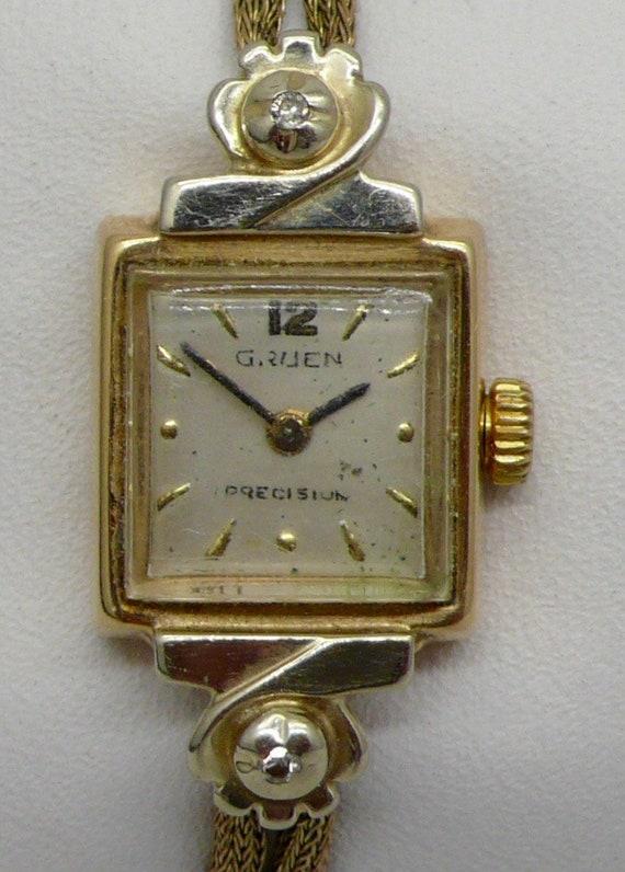 Vintage Gruen 14kt Yellow Gold Lady's Wristwatch Manual Wind Movement Running Strong