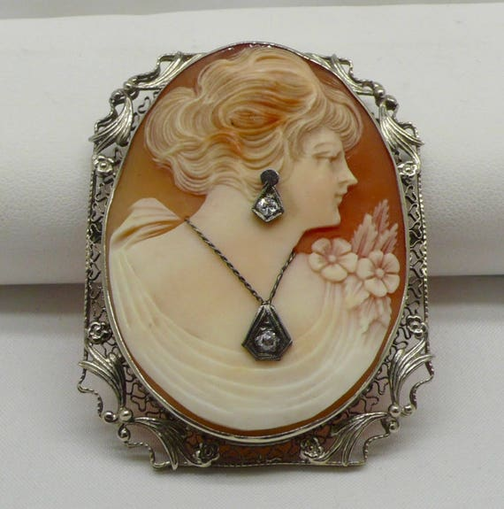 1940's Antique 14kt White Gold Shell Cameo Habillé Pin/Brooch