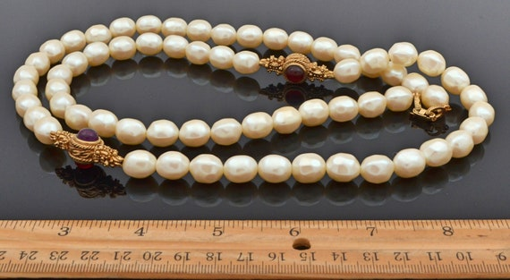 Rare Find! Vintage 1960's Givenchy Faux Pearl and… - image 3