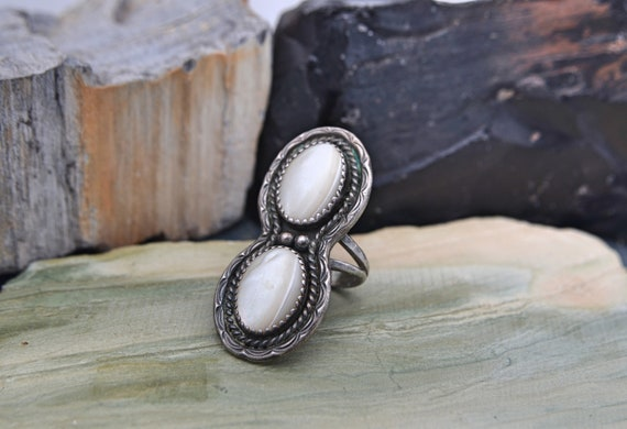 Vintage Native American Double Mother of Pearl Cabochon Sterling Silver Ring - Size 7US