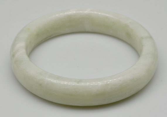Beautiful Jade Bangle Bracelet - 59mm