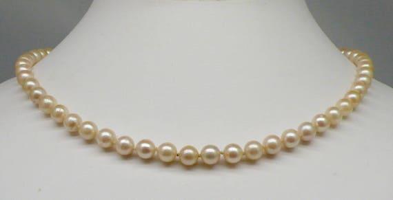 """Vintage Pearl Strand Necklace 14kt Gold 18"""""""