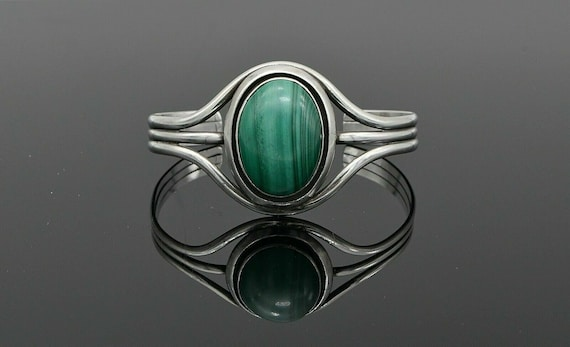 Vintage Native American Large Malachite Oval Cabochon in Sterling Silver Cuff Bracelet Unsigned