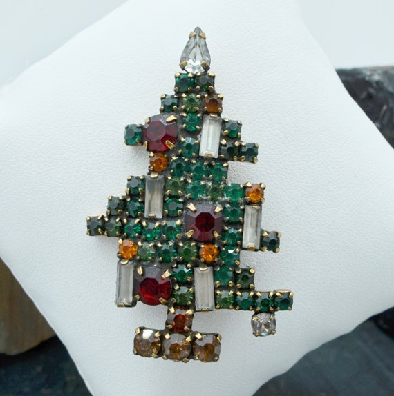 1950 Vintage Weiss Christmas Tree Brooch, Five Candles.