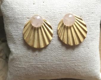 Earrings / / shells / / beads
