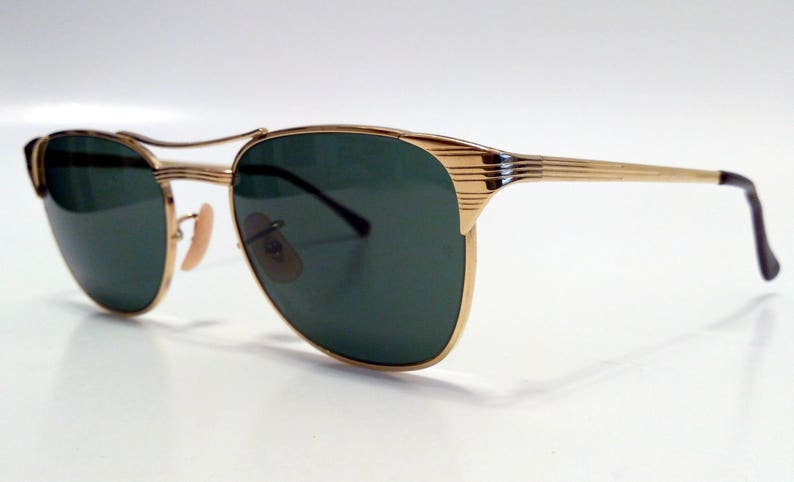 8070a816f68 Ray-Ban Signet Sunglasses Gold Frame Green Classic G15 52 MM