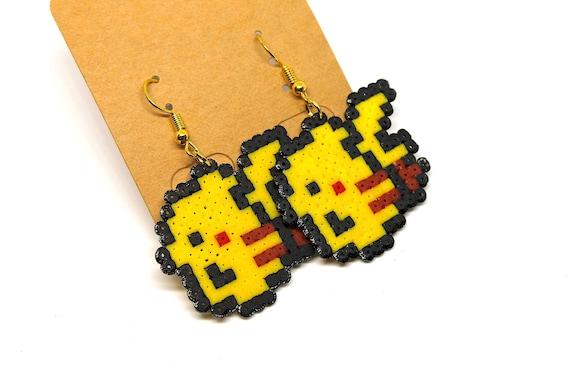 Boucles En Perles Pixel Art Hama Mini Geek Boucles Fantaisie Boucles Doreilles Pikachu