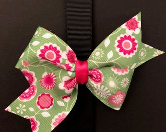 Classic Green and Pink Flowered Bow
