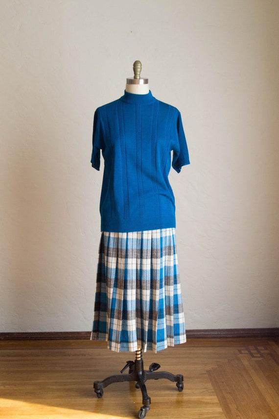 Vintage Knit Sweater/  Teal Sweater/ Vintage Short