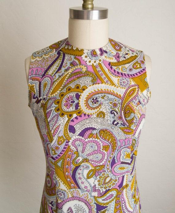 60's Purple & Brown Paisley Print Shift Dress - image 4