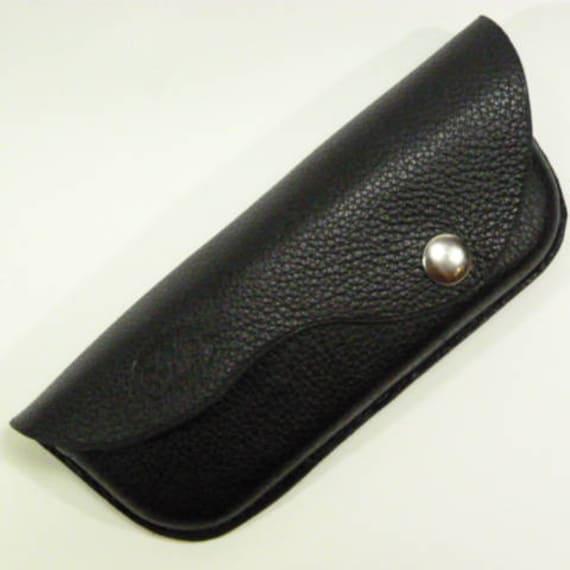 Etui lunettes rigide cuir noir cadeau senior passant   Etsy 165bf05dbab