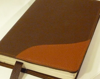 Brown reader, medium size, leather book covers, book protector, reading accessory, dark brown leather, light brown décor