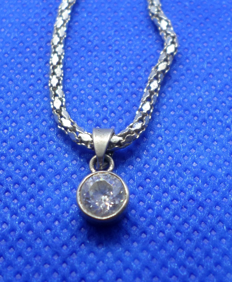 FREE POSTAGE 925 Sterling Silver Pendant with stone bargain antique look