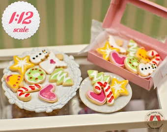 Dolls house Miniature Santa biscuits-bakers-accessory-1:12th Scale-food-shop