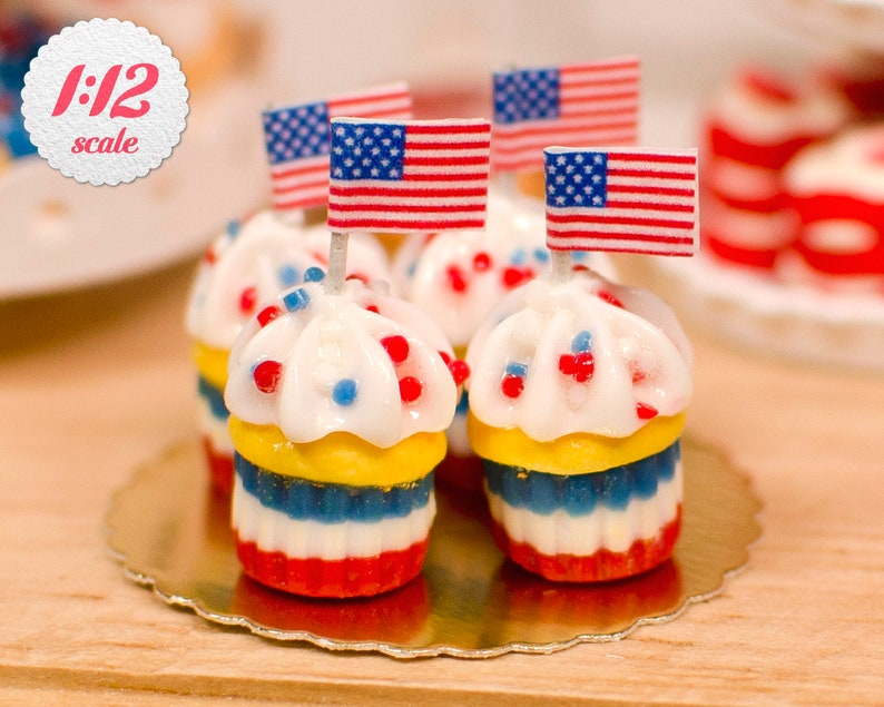 1:12 Miniature 4th of July Cupcakes Set of 4 Independence image 0