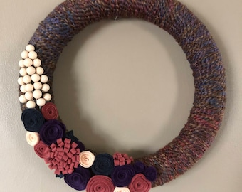 Fall colors yarn wreath with felt flowers