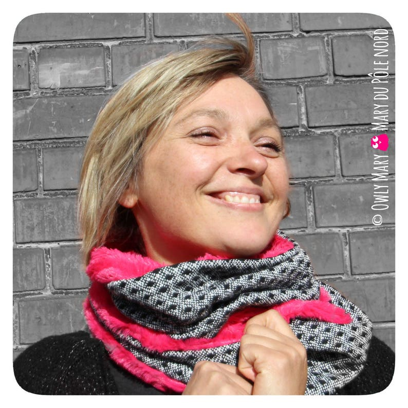 Snood adult teen Heather White Black wool lined 2 turns pink image 0