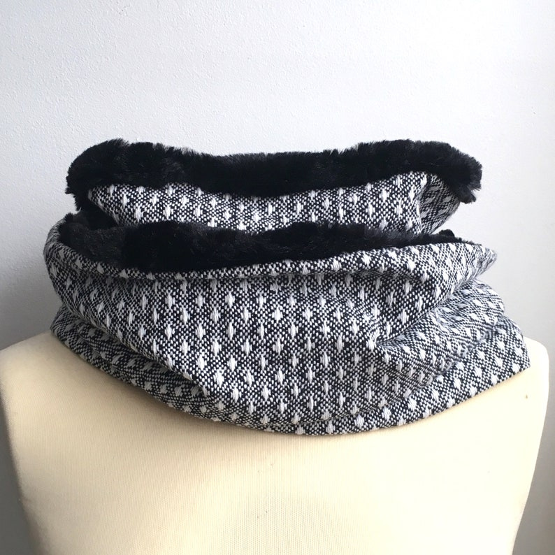 Snood adult teen Heather White Black wool lined 2 rounds polka image 0