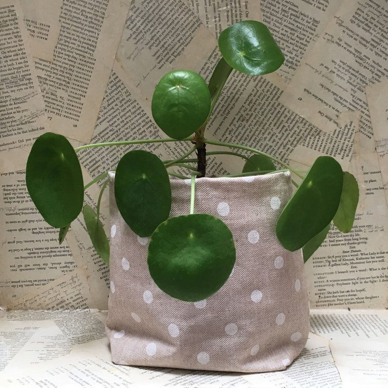 Planter in round laminated cotton linen beige grey white color image 0