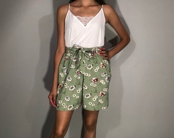 1980s floral shorts