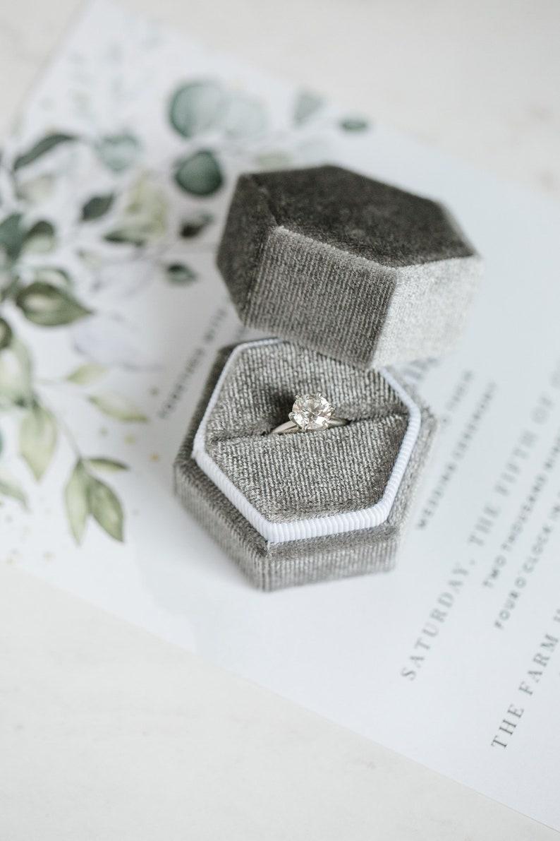 Velvet Ring Box image 0
