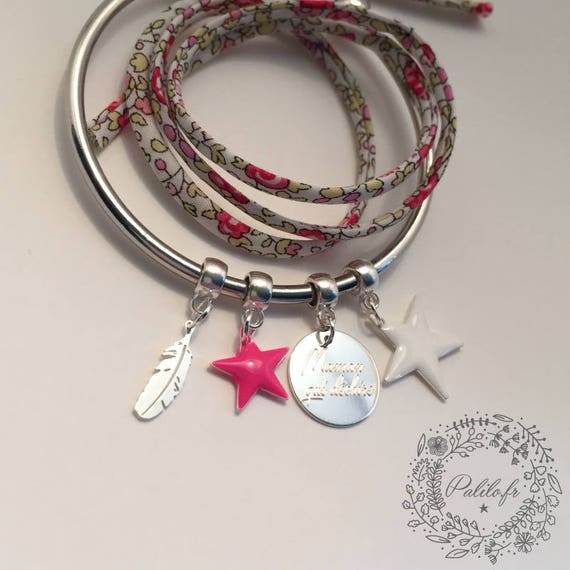 "Bangle Bracelet silver personalized ""Hello love"" Feather by Palilo (1 medal engraved, 1 sterling silver feather charm and 2 charms"