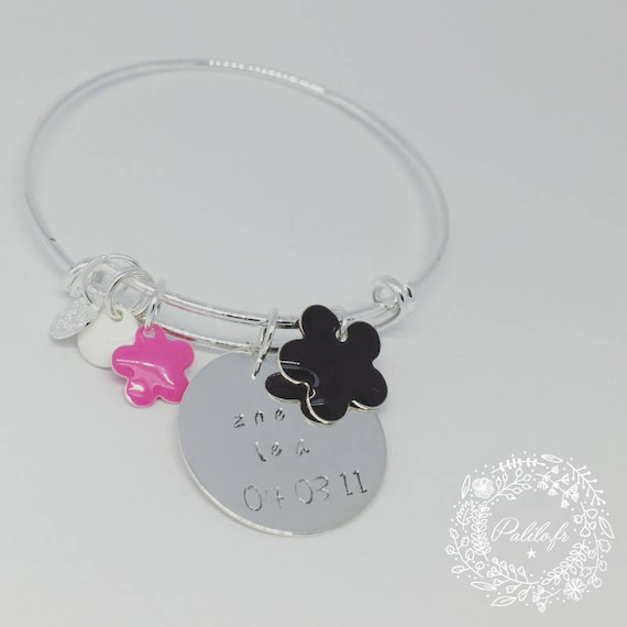 """Bangle Silver """"Hello love"""" Flower Power with custom engraving, color charms and iridescent by Palilo"""