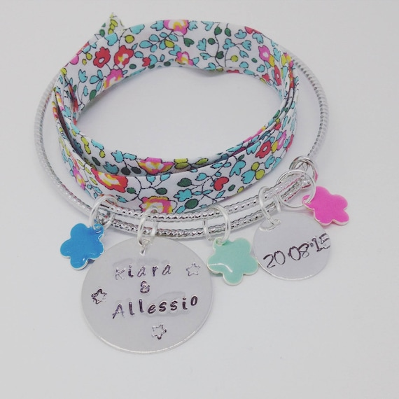 "Personalized Bracelet Bangle silver FLOWER with 2 customizable prints ""Hello love"" by Palilo"