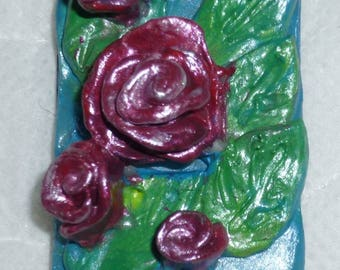 beautiful rectangle MAGNET pattern roses and leaves in clay durrcissante