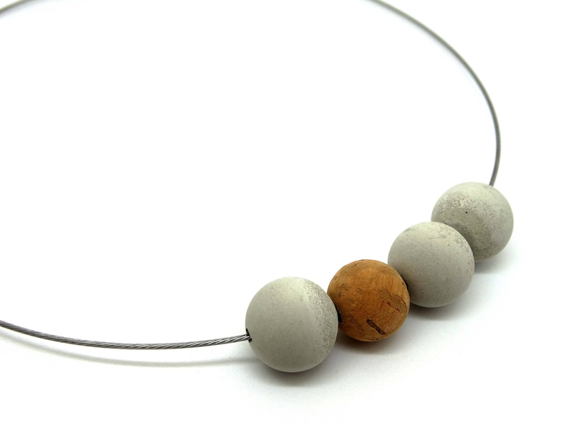 Collier concrete beads and bead of Cork