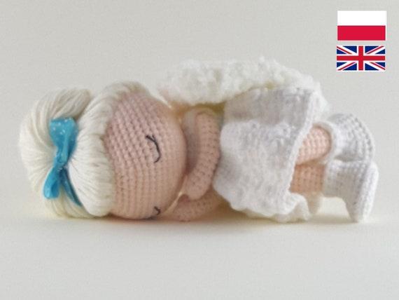Lovely Angel crochet pattern - Amigurumi Today | 428x570