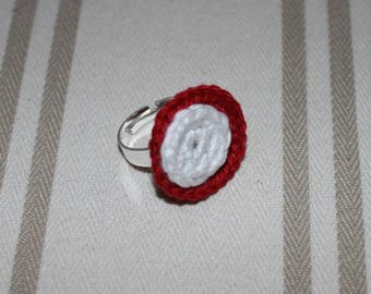 Ring is adjustable cotton crocheted red and white, silver