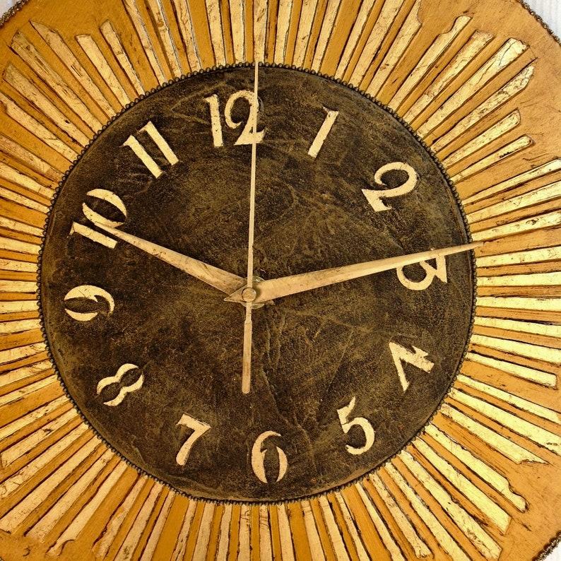 Sunburst horloge Starburst horloge mur moderne suspendu numéros d'horloge d'or Mi siècle horloge inhabituelle moderne pour le mur
