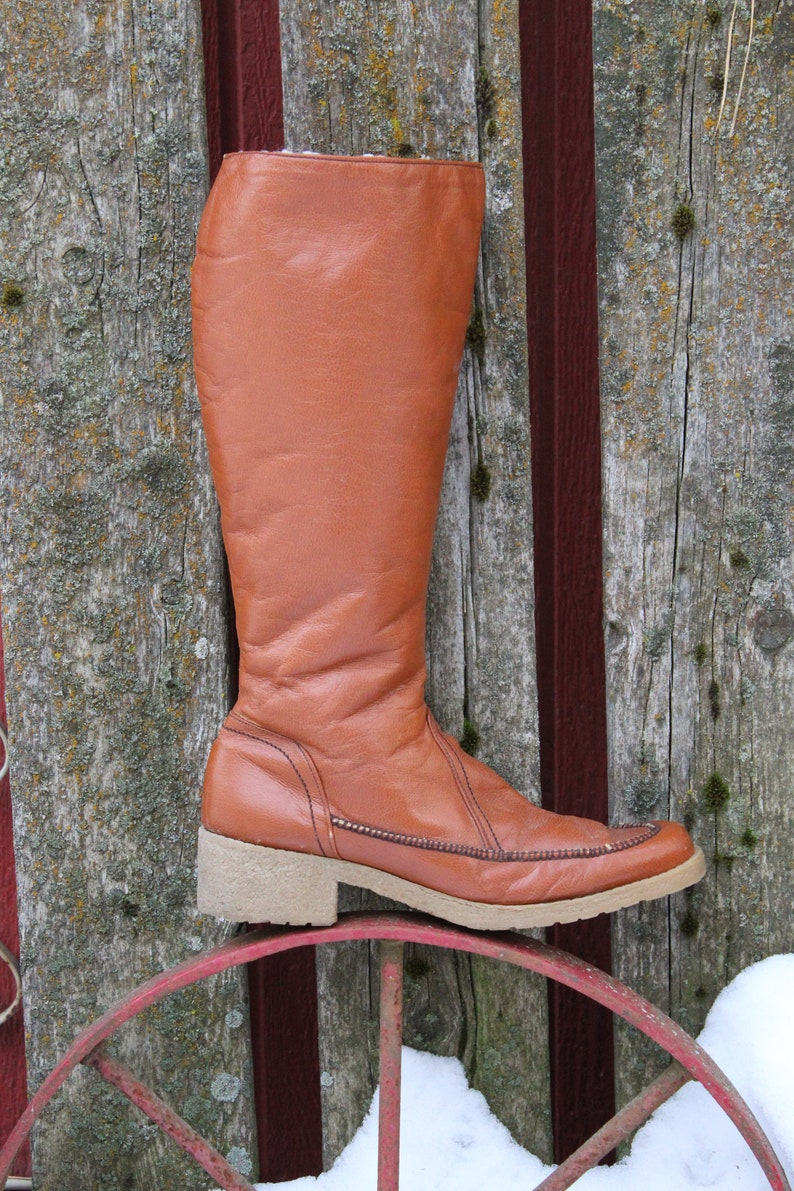 df37a00625bae Ladies Vintage 70's Burnt Orange Hush Puppies Sherpa Lined Rubber Sole Tall  Boots - Size 13 N