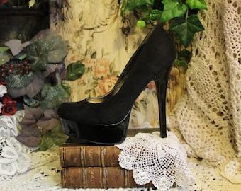 Ladies Flattering Gothic Black Platform Stilettos- Size 7