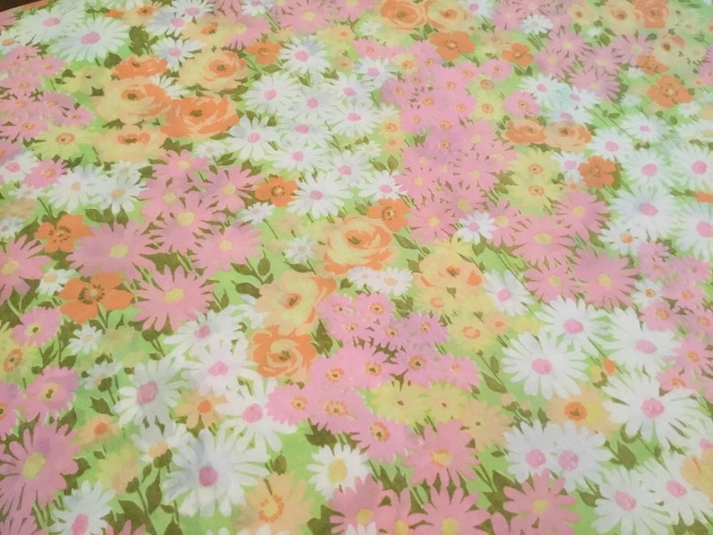 Retro 70s flower power double  queen flat sheet Very pretty all over multi coloured floral print