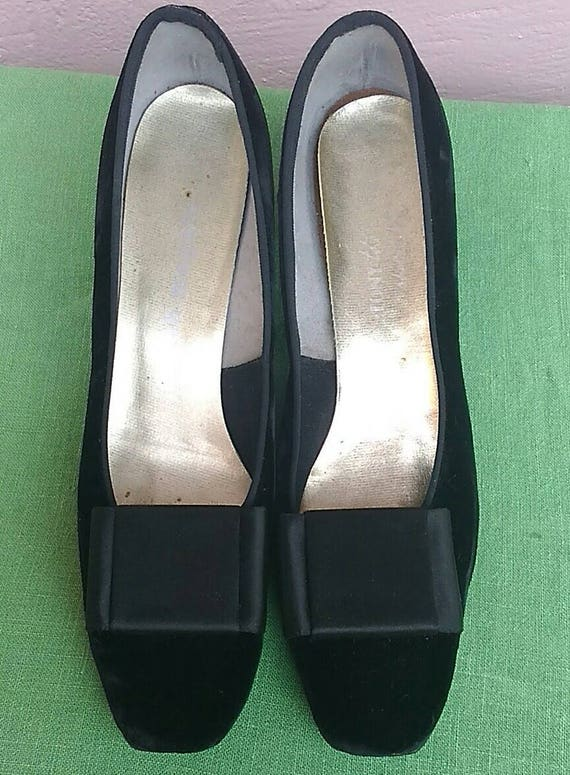 Vintage 1960 s Black Velvet Pilgrim Pump Shoe for Joseph  f1ef09720da0