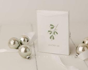 Pucker Up Mistletoe Minimal Holiday Greeting Card 5 card pack